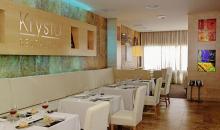 Eingedeckter Restaurantsaal