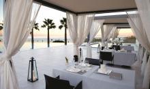Essen mit Blick aufs Meer