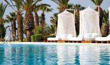 Daybeds am Pool