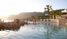 Club Resort