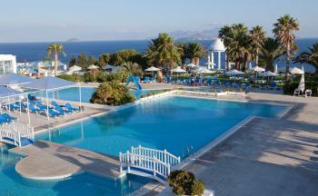 Poolbereich im Robinson Club Daidalos