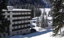 Clubanlage im Schnee