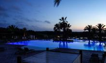 Sonnenuntergang über dem Pool
