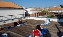 Gymnastik auf der Terrasse