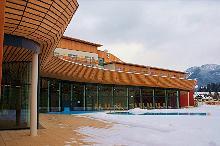 Pool mit Schnee