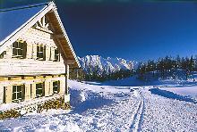 H�tte und Schnee