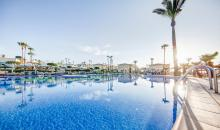 Pool im Punta Prima