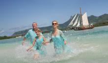 Famiie im Meer