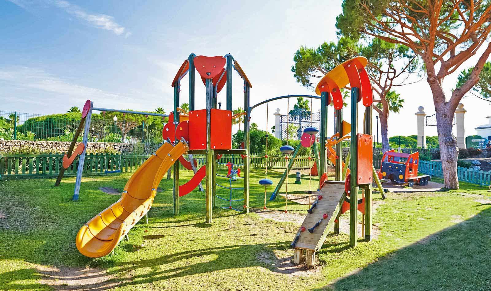 best family barrosa garden bei cluburlaubde With katzennetz balkon mit hotel barrosa garden novo sancti petri andalusien