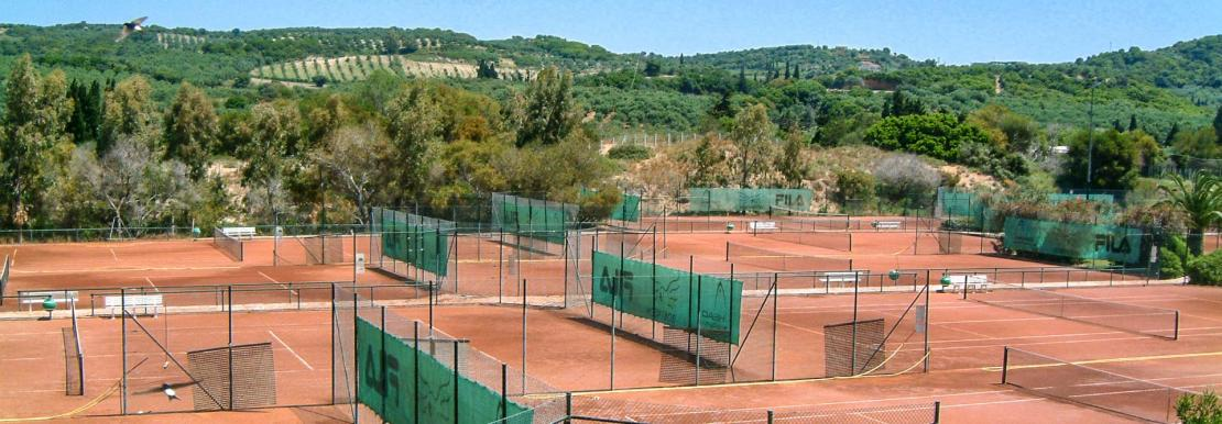 Tennisplatzanlage im Robinson Club Kyllini Beach
