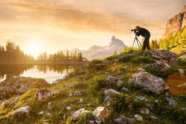 Fotograf in herrlicher Landschaft