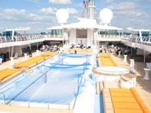 Pool auf dem Deck