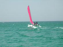 Katamaran im Wasser