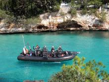 Boot mit Tauchern