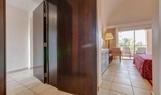 2 Zimmer mit Verbindungstür