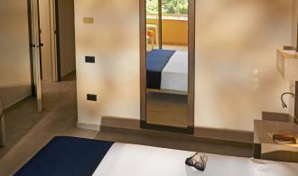 2 Doppelzimmer mit Verbindungstür