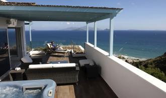 Balkon mit Jacuzzi