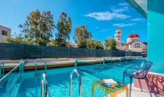 Doppelzimmer mit privatem Pool